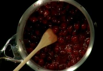 pot of cherriesweb